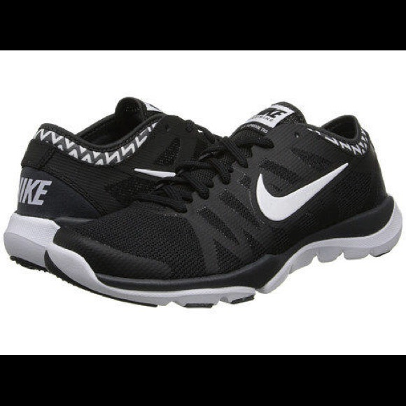 wholesale dealer 4cb9e 91a65 Nike Black  White Free Runs with Chevron Shoes. M5a932d943800c5669e8bec96